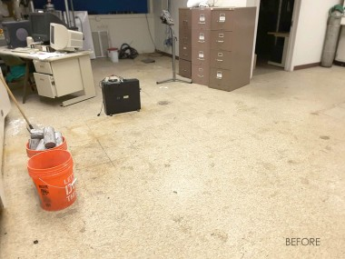 before-decorative-epoxy-flake-floor-1